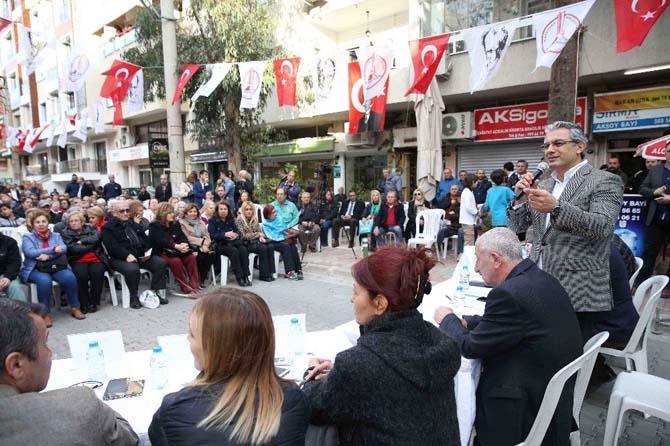 Karşıyaka Belediye Başkanı halkla buluştu