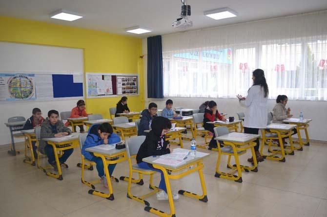 'Tam Eğitim Bursluluk Sınavı'na yoğun ilgi