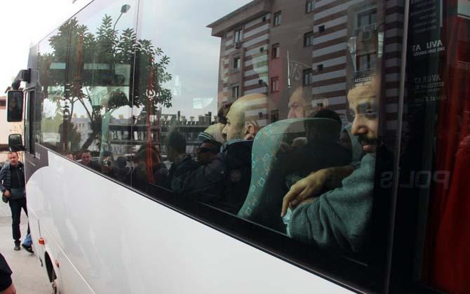 Antalya'da 41 FETÖ şüphelisi adliyeye sevk edildi