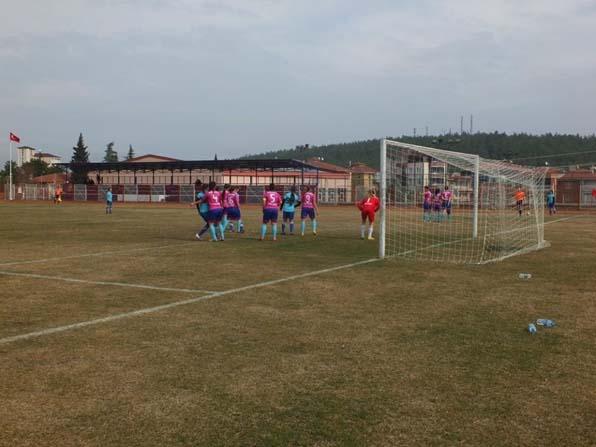 Bozüyük Halk Eğitim Gençlik Spor adeta gol oldu yağdı