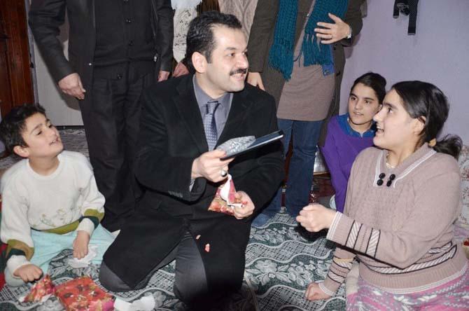 Kaymakam Özkan engelli çocukları sevindirdi