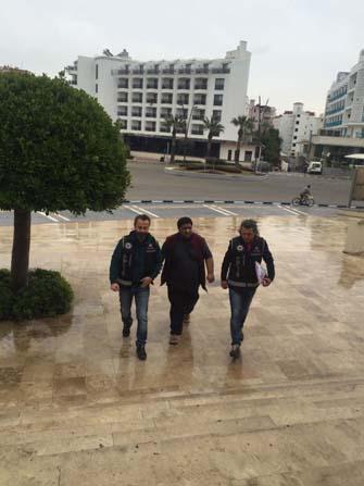 Sahte pasaportla Yunanistan'a insan kaçıran yabancı uyruklu şahıs yakalandı