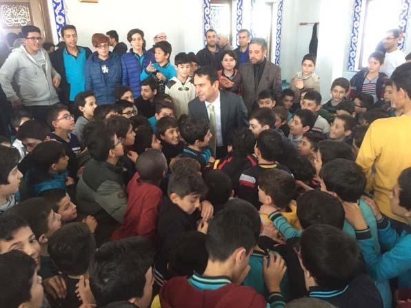 Vali Aktaş, Avlanmaz İmam Hatip Ortaokulunu ziyaret etti
