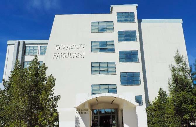 YDÜ Eczacılık Fakültesi'nin eğitim kalitesi, uluslararası düzeyde onaylandı