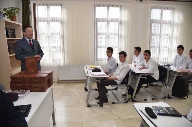 Altındağ Belediye Başkanı Tiryaki'den okul ziyareti