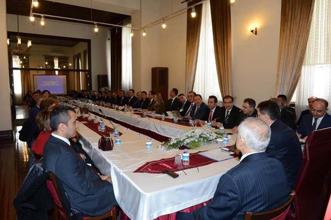 Ankara Valiliğinden referandum toplantısı