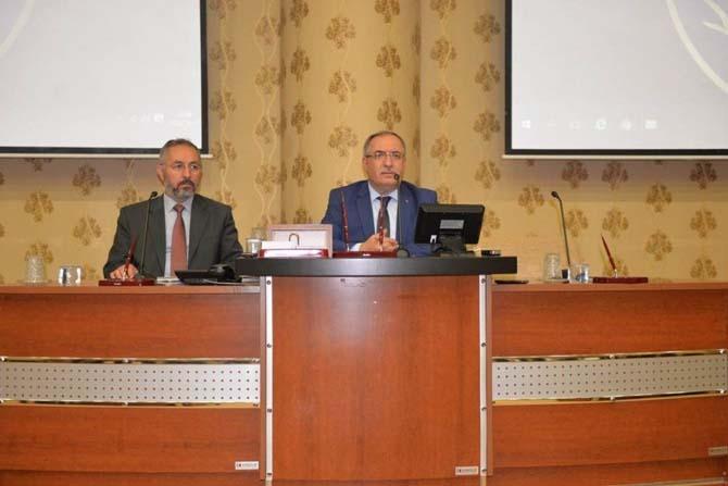 Vali Ahmet H. Nayir'den muhtarlara: Birlikte karar alacak ve birlikte çözeceğiz