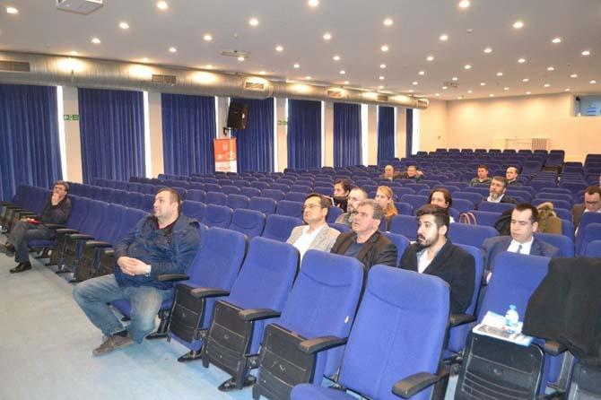 """Prof. Dr. Cem Kılıç: """"Dünya'da da işsizlik önemli bir problem"""""""