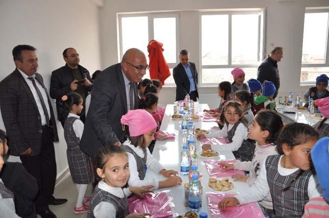 Sindelhöyük Mahallesi Yenice İlkokulunda kütüphane açılışı yapıldı