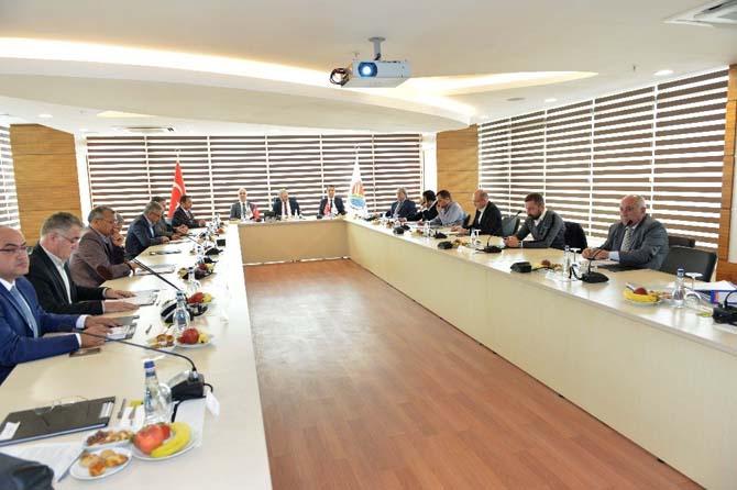 Vali Karaloğlu, AOSB Müteşebbis heyeti aylık olağan toplantısına katıldı