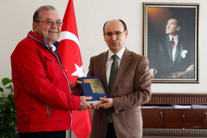 Sökeli yazar Yaşar Çağbayır'dan ikinci eser