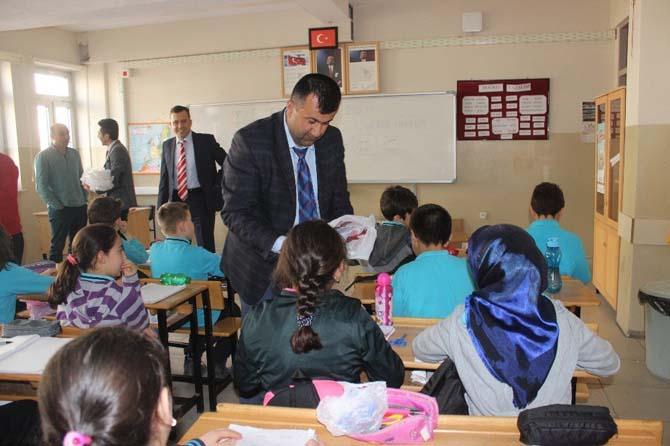 Vergi haftası nedeniyle öğrenciler ziyaret edildi