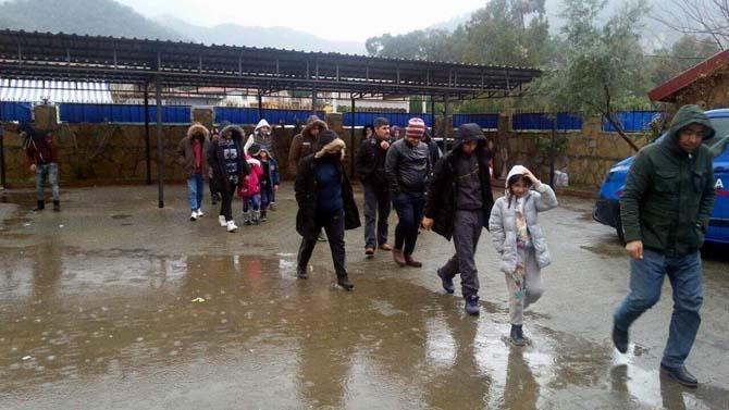 Fethiye'de çalılıkların arasında 29 sığınmacı yakalandı