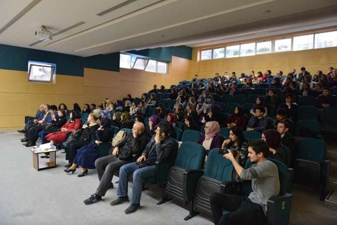 'Gönül Coğrafyamızdan Şiirler' etkinliği SAÜ'de düzenlendi