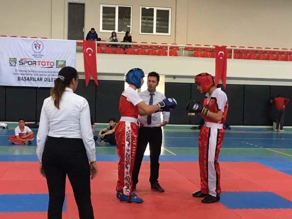 Kick boks gençlerde Adana şampiyonu Erkan'dan