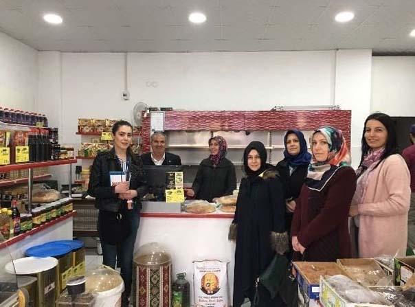 AK Parti Odunpazarı İlçe Kadın Kolları üyeleri referandum çalışmalarına devam ediyor