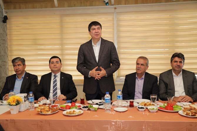 Başkan Türel, Kepezli müteahhitlerle buluştu