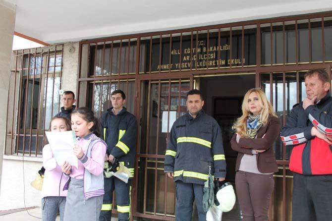 Araç'ta öğrenciler için yangın tatbikatı yapıldı
