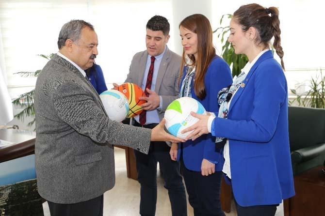 Burhaniye'de spora Büyükşehir desteği