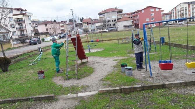 İzmit'te parklara bahar temizliği yapılıyor