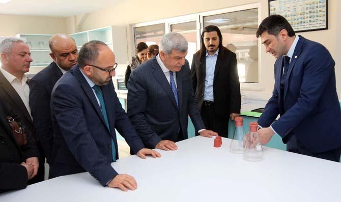 Başkan Karaosmanoğlu, bir takım ziyaretlerde bulundu