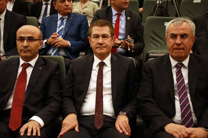 "Canikli'den parlamenter sisteme ""Devekuşu"" benzetmesi"