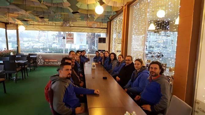 Başkan Karaçoban voleybol takımına moral verdi