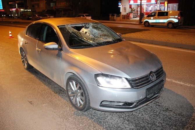 Karaman'da koruma ekibinin çarptığı yaya yaralandı