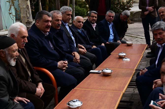 Milletvekili Şahin ve Başkan Gürkan vatandaşların sorunlarını dinledi