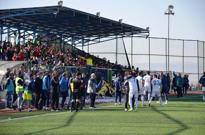 Yeşilyurt Belediyespor şampiyonluğa göz kırptı
