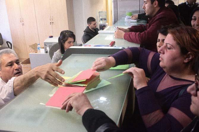 Cezaevindeki kadınlara kutlama kartı