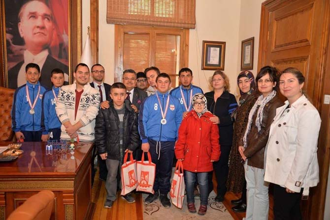 Bilecik Özel Eğitim Okullarından Başkan Yağcı'ya teşekkür ziyareti