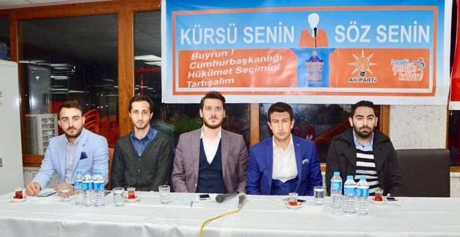 Lapseki'de gençler Cumhurbaşkanlığı Sistemini tartıştı