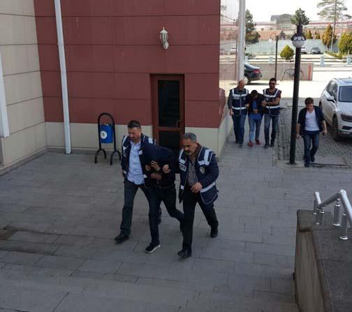 Polis ekipleri delilleri adliyeye taşırken zorlandı