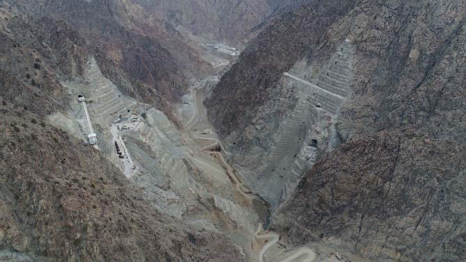 Yusufeli Barajı'nın gövdesinde kullanılacak betonla 150 metrekare 35 bin daire yapılabiliyor