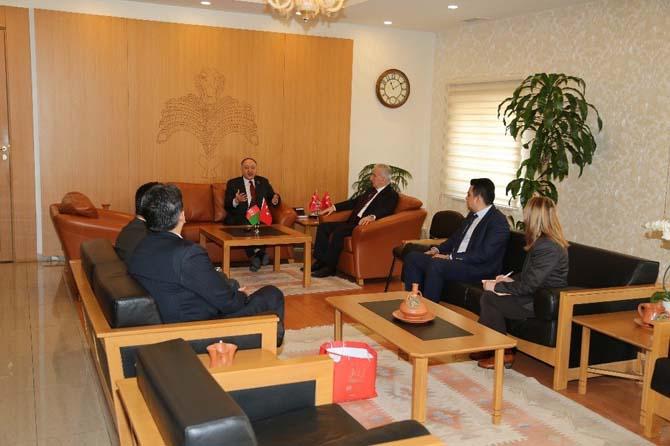 Afganistan İslam Cumhuriyeti Büyükelçisi Dr. Amanullah Jayhonn Vali Kamçı'yı Ziyaret Etti