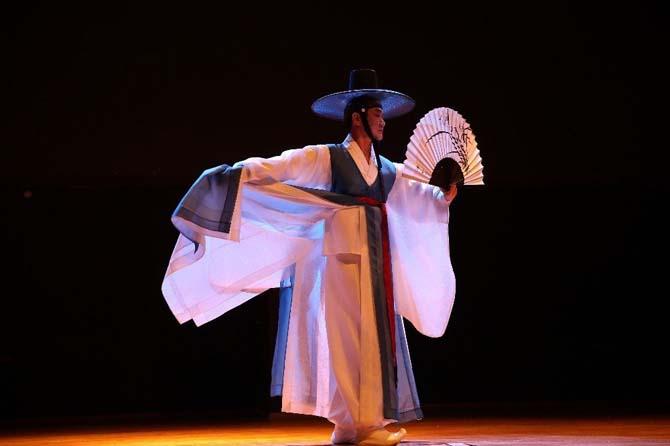İncon Dansçıları Yarın Şehir Tiyatrosu'nda