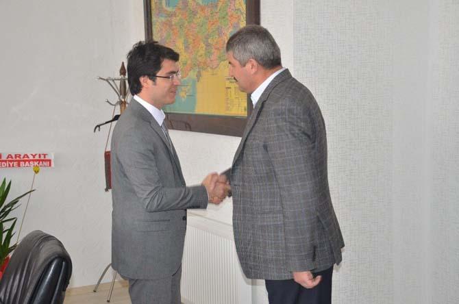 Başkan Arayıt Kaymakam Göçer'i ziyaret etti