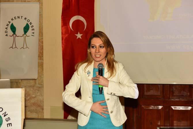 Satıroğlu'dan etkili iletişim ve beden dili eğitimi