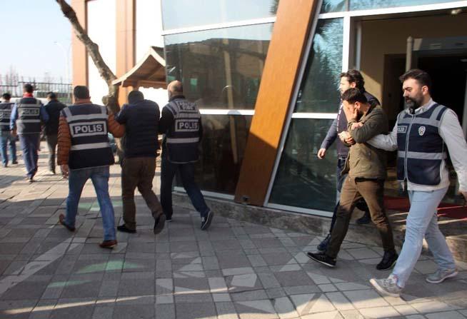 NATO hattından 200 bin TL'lik mazot çalan 4 hırsız yakalandı