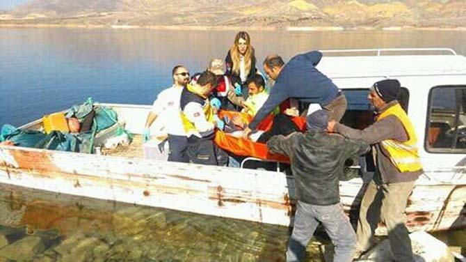 Köprüden atlayan şahsı, balıkçı teknesi kurtardı