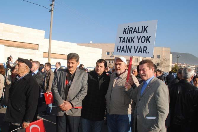 Vatandaşlardan darbecilere protesto