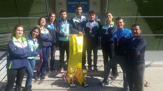 DÜ atıcılık takımından Türkiye rekoru