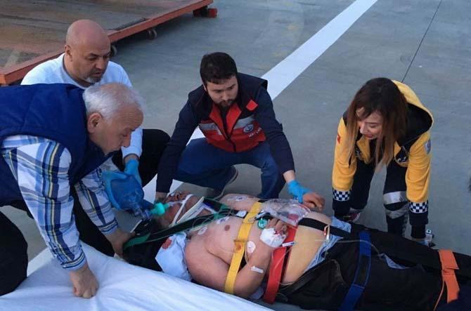 Kazada ağır yaralanan sürücü ambulans helikopter ile hastaneye sevk edildi