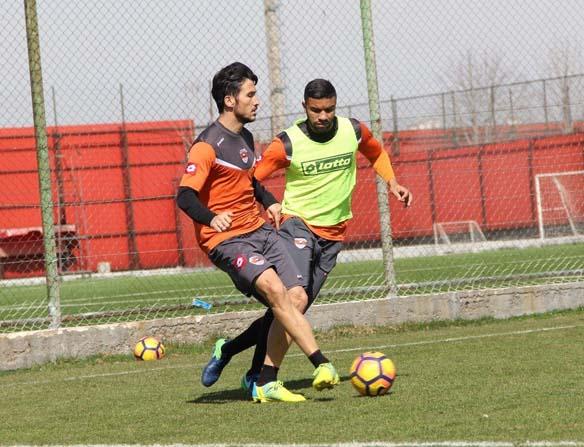 Adanaspor'da Kardemir Karabükspor hazırlıkları sürüyor
