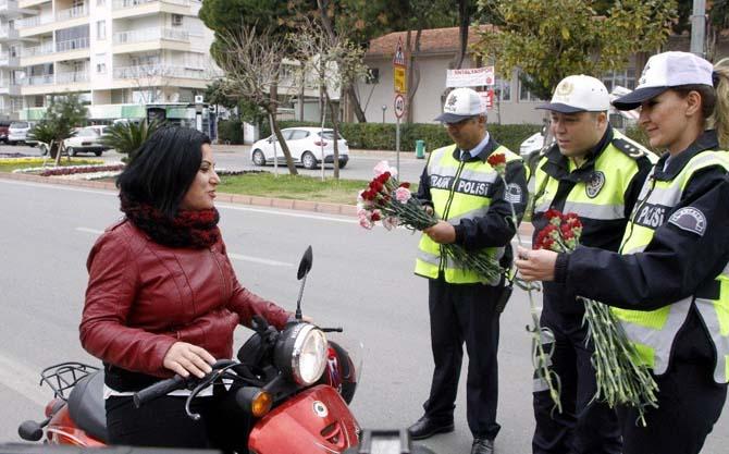 Polisin durdurduğu kadınlar neye uğradığını şaşırdı