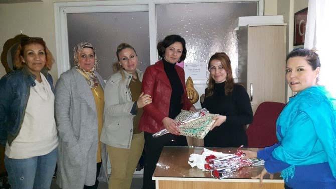 AK Parti Kadın Kollarından engelli kadınlara 8 Mart ziyareti
