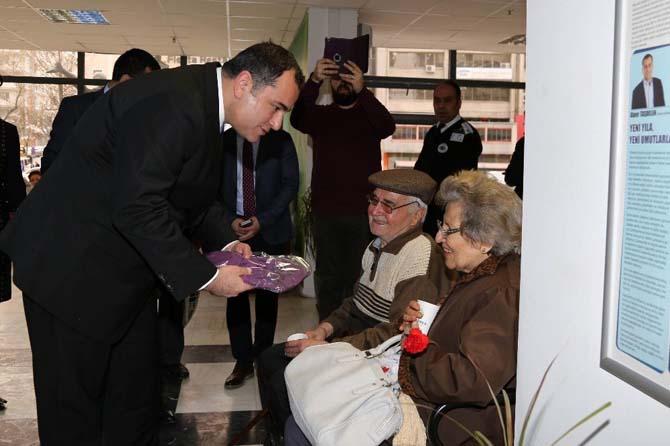 Çankaya Belediye Başkanı Alper Taşdelen'den kadınlara armağan