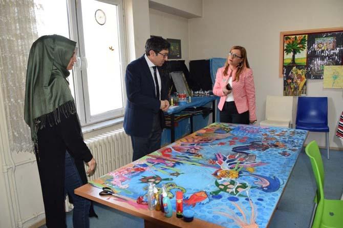 Düzce Üniversitesi öğrencileri engelli kardeşlerine destek oluyor