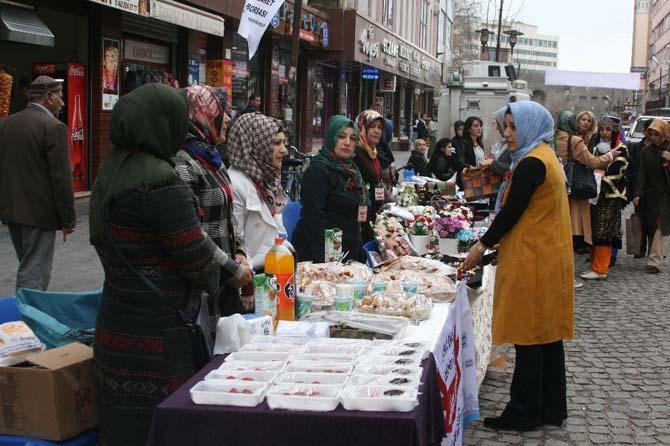 Sur'da 'Kadın Şenliği' düzenlendi